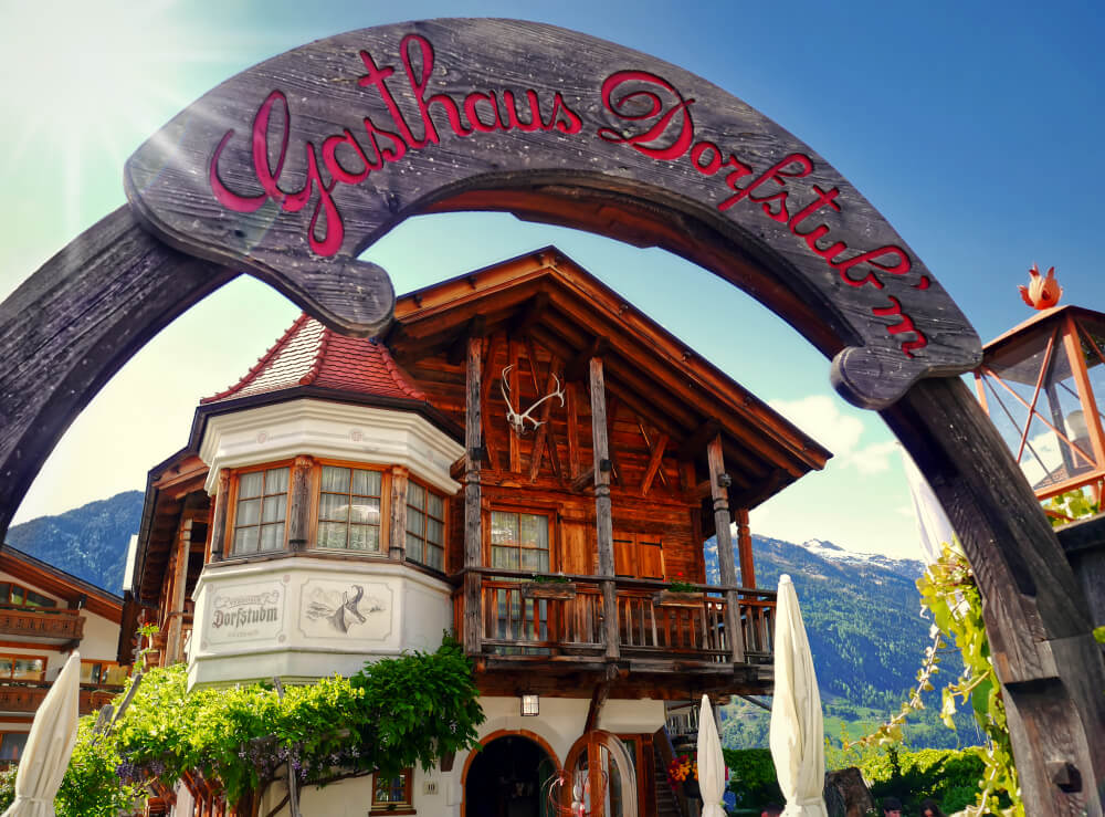 Mountainside tavern serving traditional South Tyrol food
