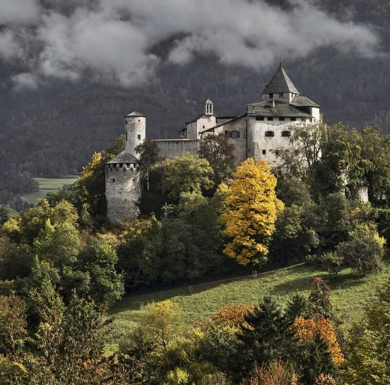 Prosels Castle in Autumn