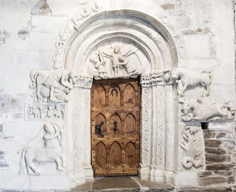 Castle Tirol Portal Sculptures