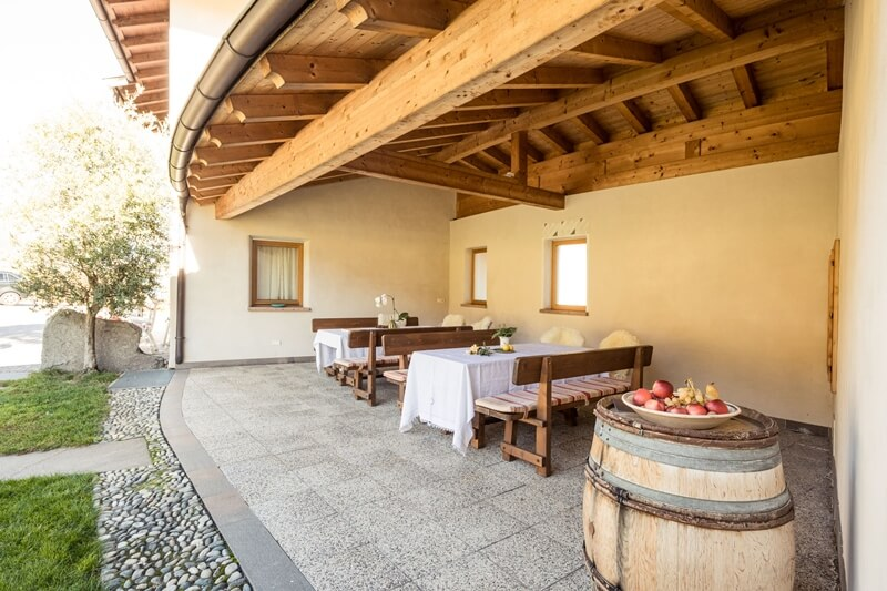 Weingut Dona patio