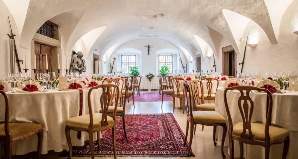 Castel Katzenzungen: Keeper of the World's Oldest Vine 40