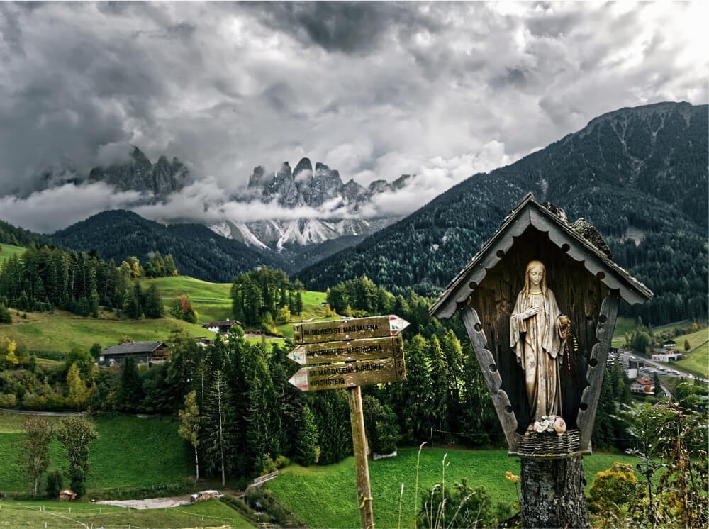 Reverent Beauty: Discover the Wayside Shrines of South Tyrol 33