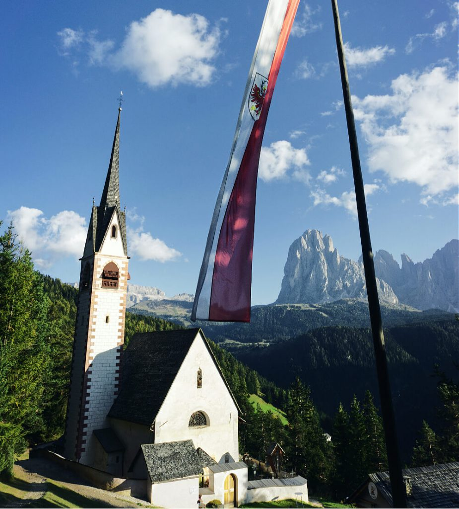 Lantern of Val Gardena: Hiking to the Church of St. Jakob 1