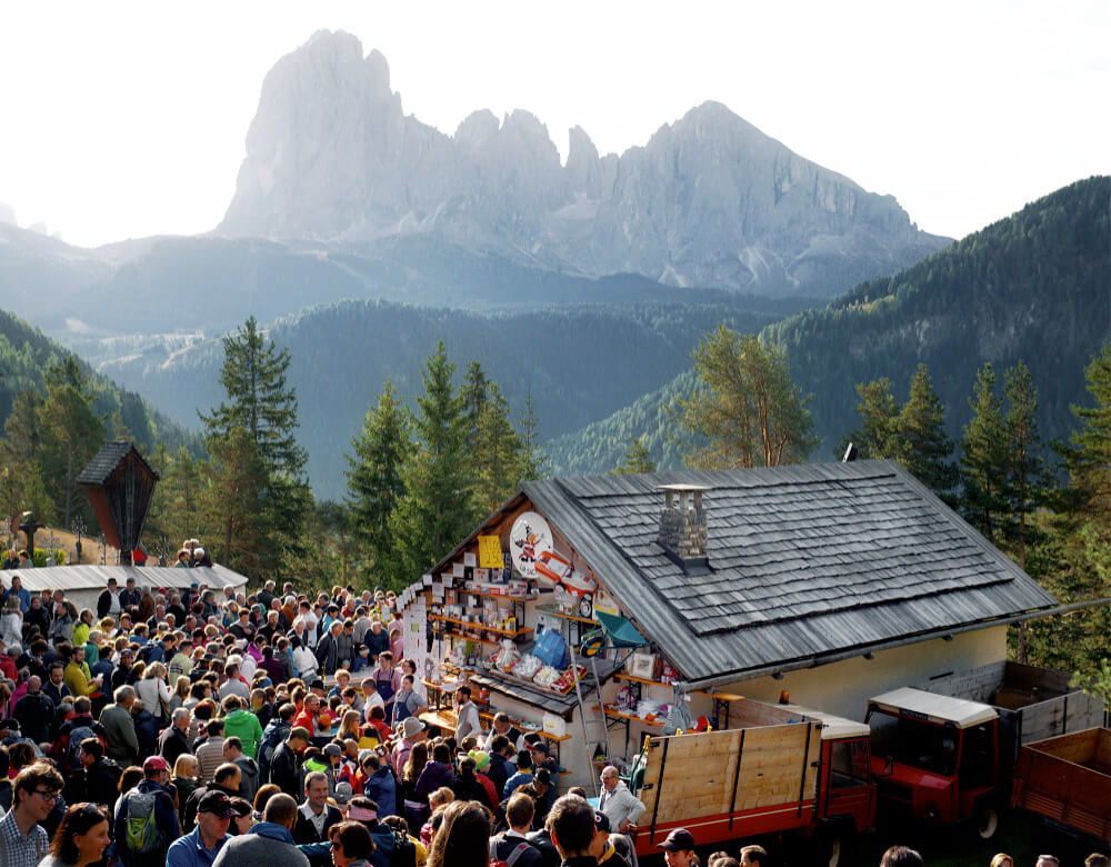 Lantern of Val Gardena: Hiking to the Church of St. Jakob 7