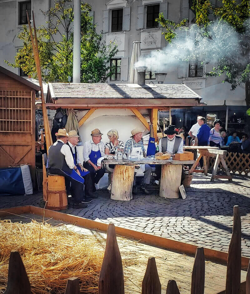 A Feast for Your Senses: Discover the South Tyrolean Bread & Strudel Market 2